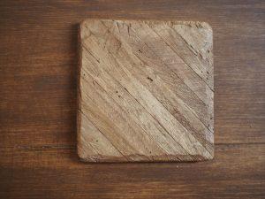 余った木材を木製コースターにリメイクしました